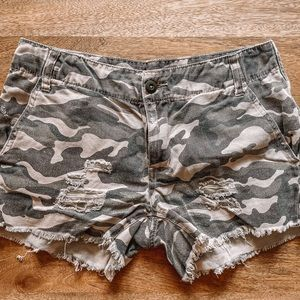 Urban outfitters BDG camo jean shorts